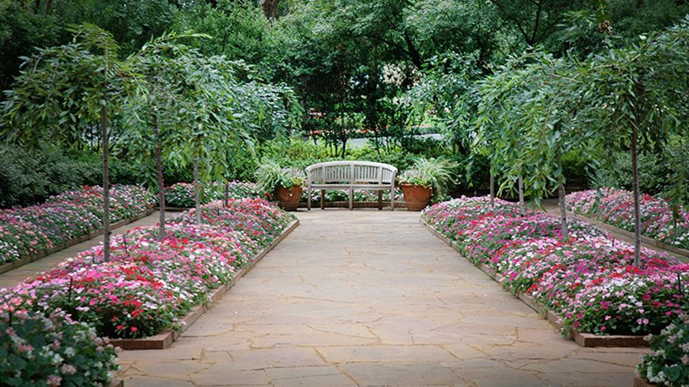 Nancy S Garden Dallas Arboretum And Botanical Garden